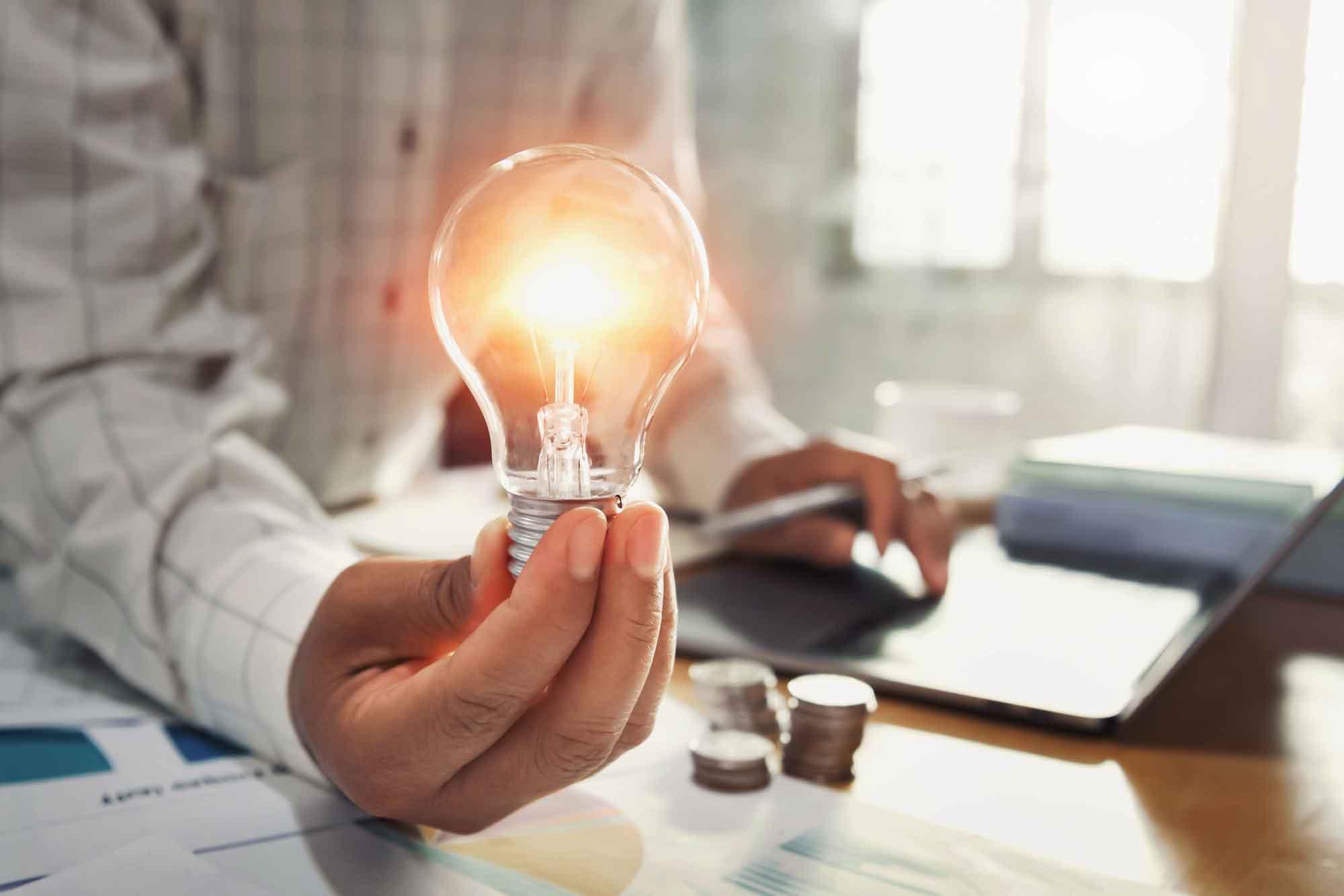 Lee más sobre el artículo Área legal y gestión de contratos energéticos en su negocio