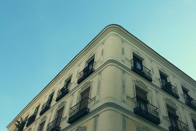 Lee más sobre el artículo Limitaciones a los apartamentos turísticos, no prohibición